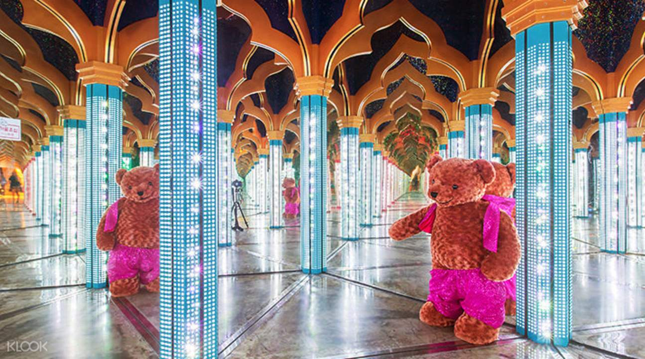 teddy bear in maze of mirrors